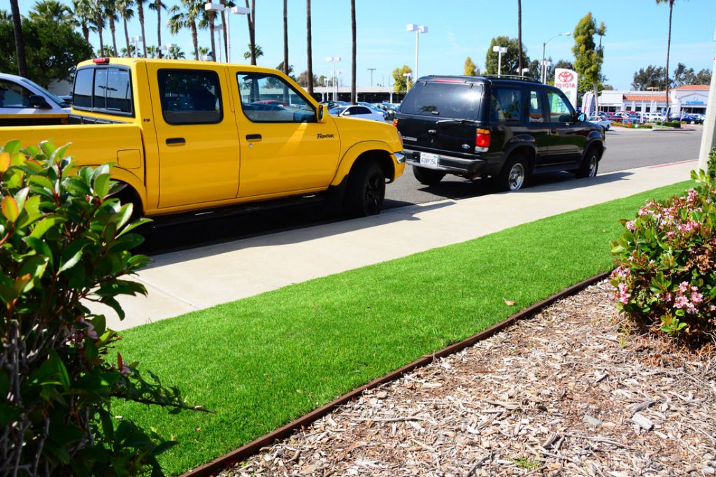 artificial lawn supplies curb appeal to commercial areas