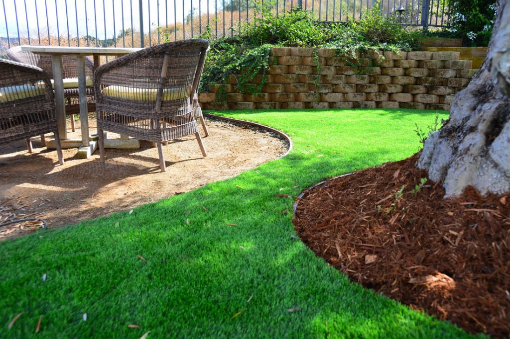 artifical turf supplies green in arid areas