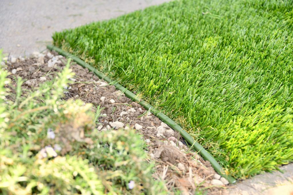green synthetic grass edging