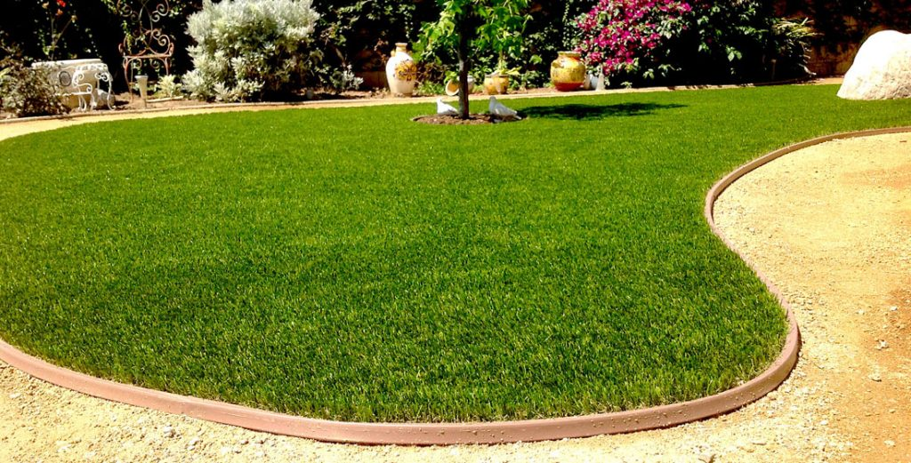 brown syntheetic grass edging