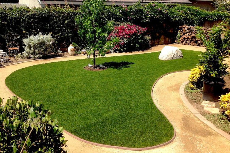 An Artificial Lawn Supplies and Saves Lots of Green