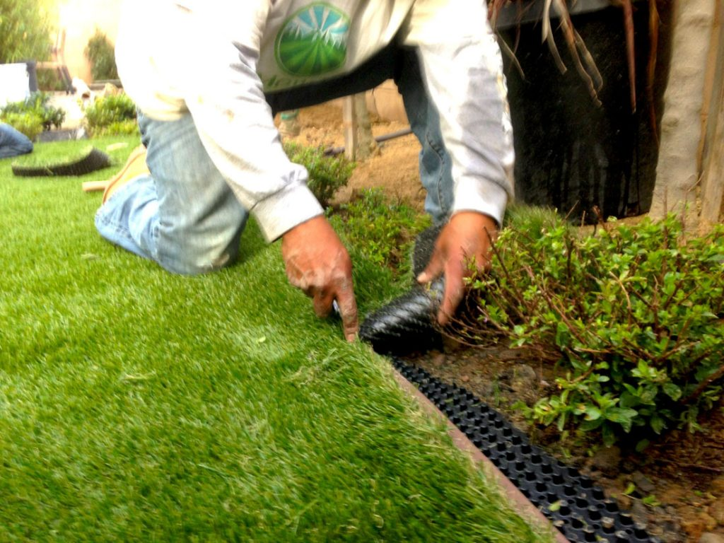 Wonder Edge artificial fake grass edging installs easily and quickly