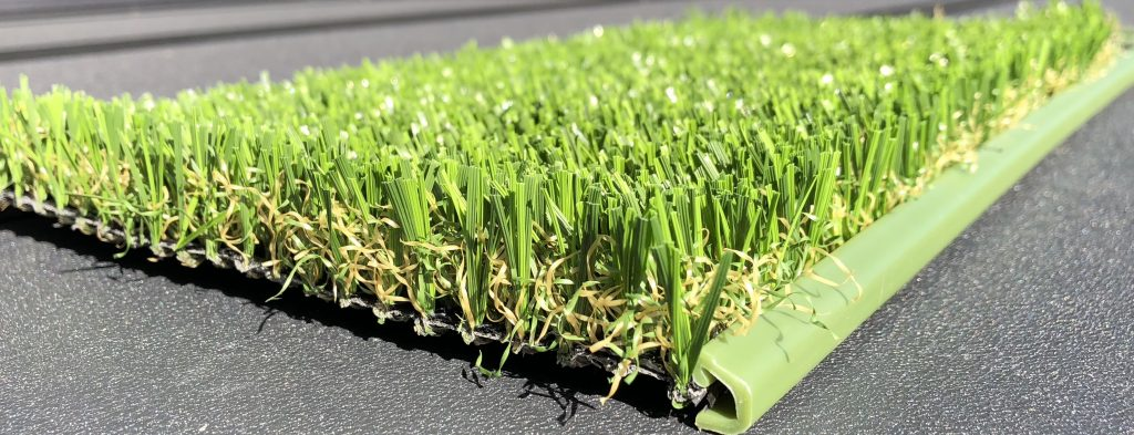 artificial lawn border keeps turf in place