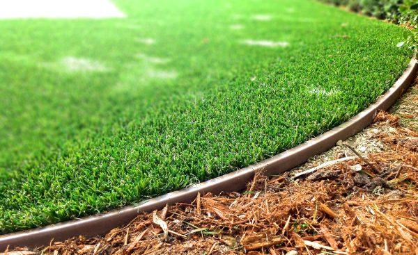 Wonder Edge artificial lawn border does not creep